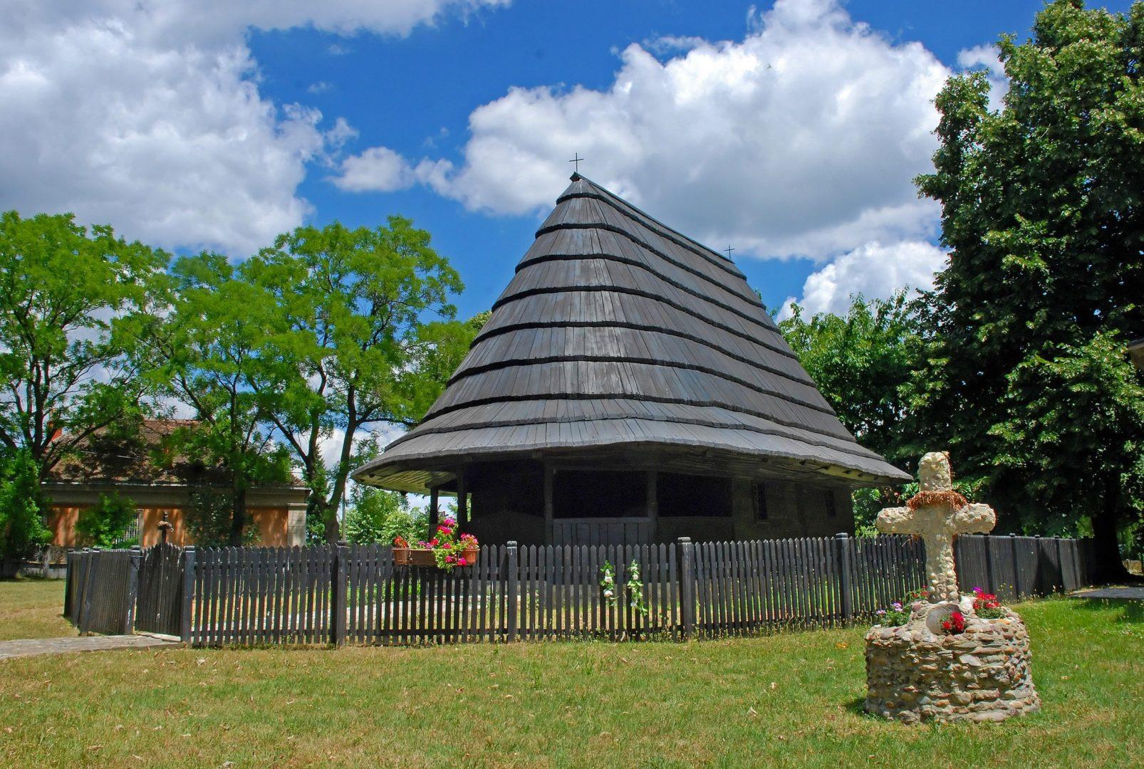 Crkva brvnara u Brzanu